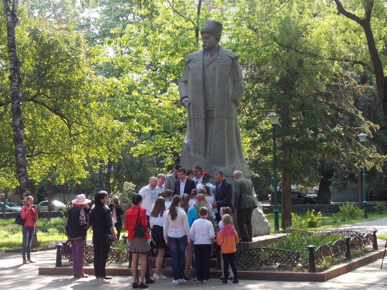 У Хмельницькому вшанували Кобзря - фото 1
