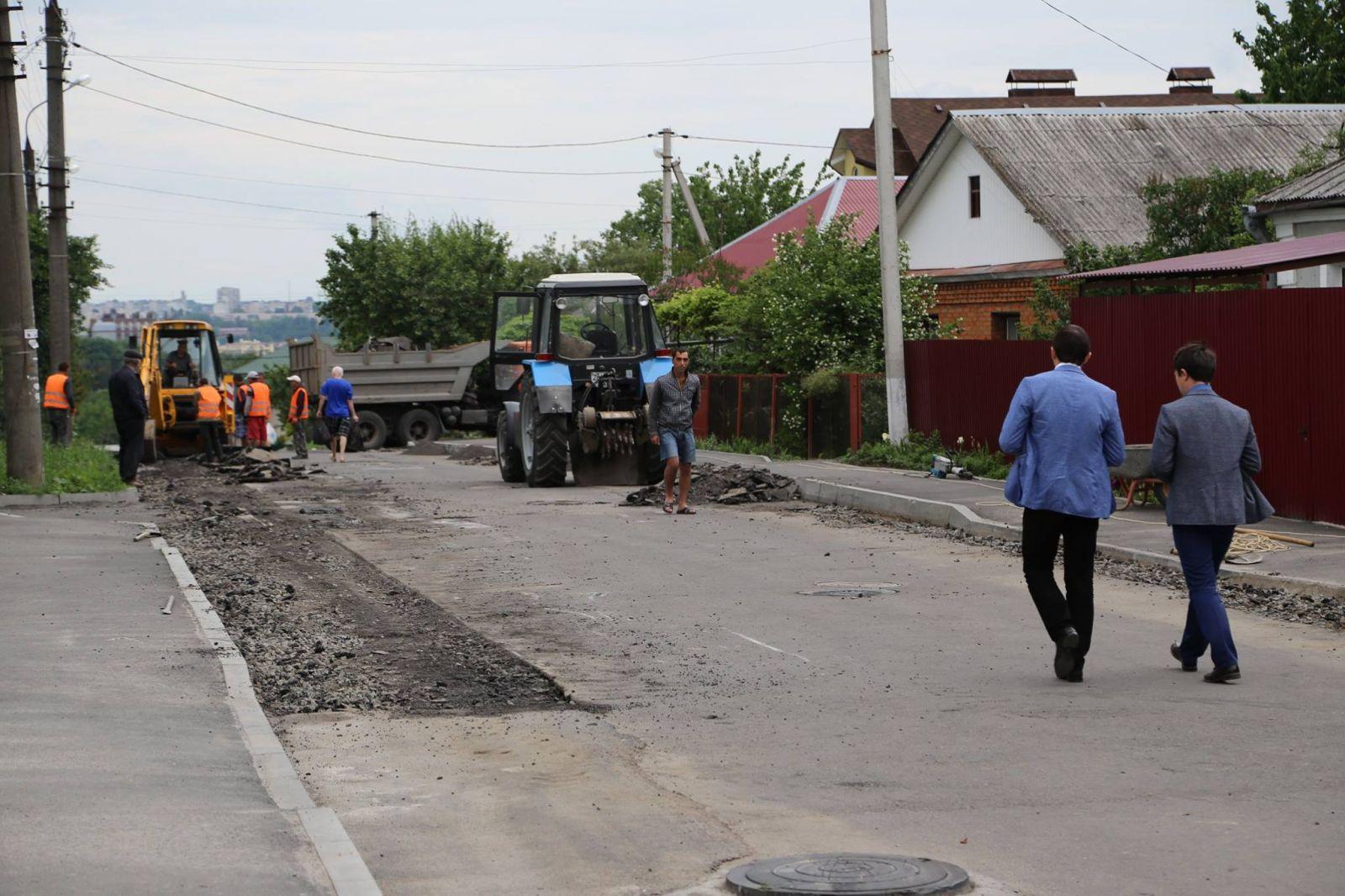 У Хмельницькому триває капітальний ремонт доріг, фото-1